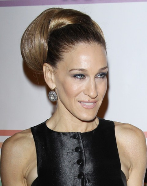 Sarah Jessica Parker Long Hairstyle: Classic Updo - Pretty Designs