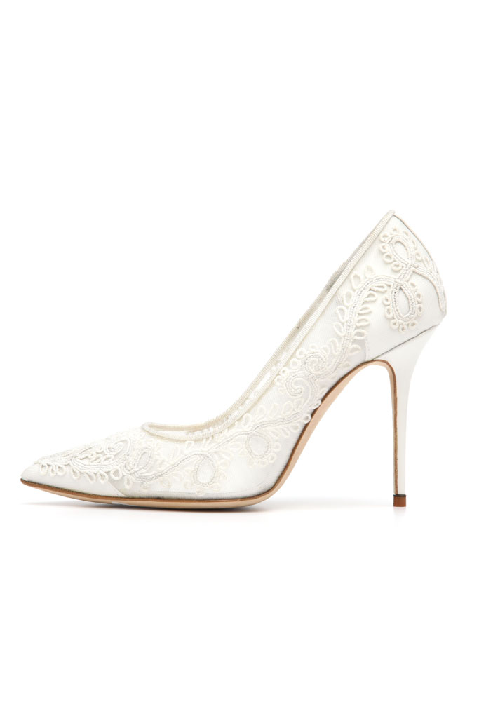 Spring 2014 Manolo Blahnik Pumps,white