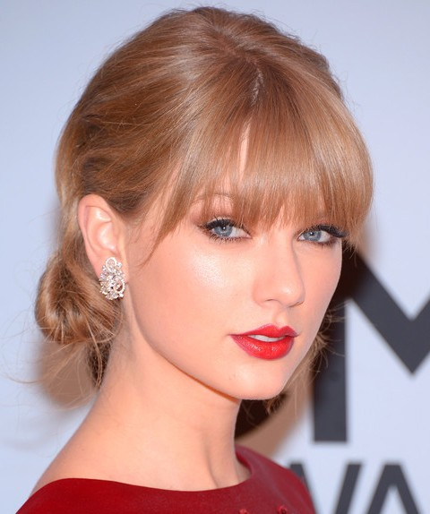 Taylor Swift Hairstyles: Glamorous Chignon for Women