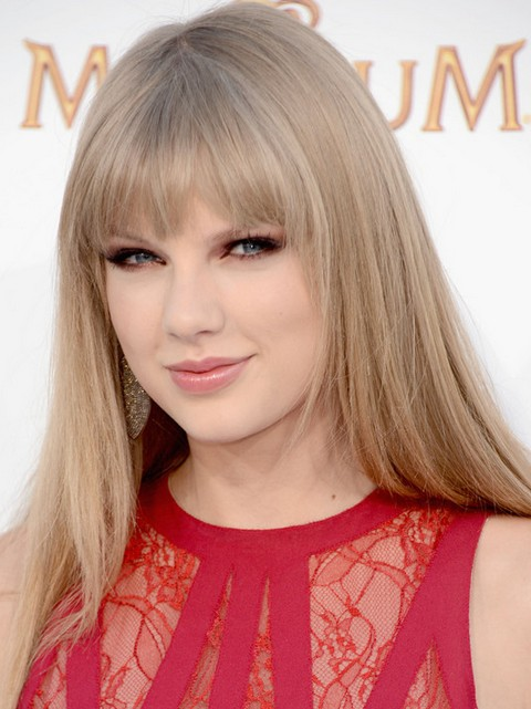 Taylor Swift Hairstyles: Sleek Straight Haircut with Bangs for Any Face Shape