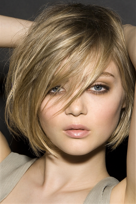 15 Cute Short & Medium Straight Hairstyles for a Dreamlike ...