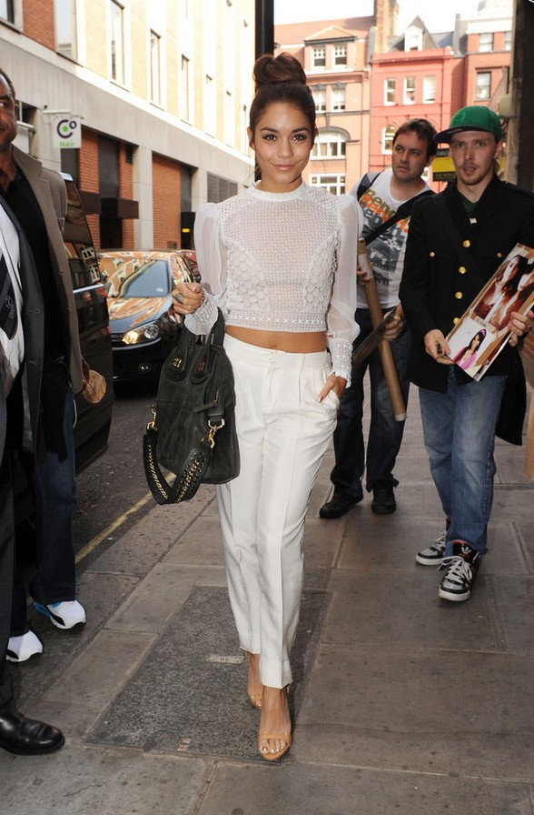 28 Chic And Crisp Crop Tops For All Styles Pretty Designs