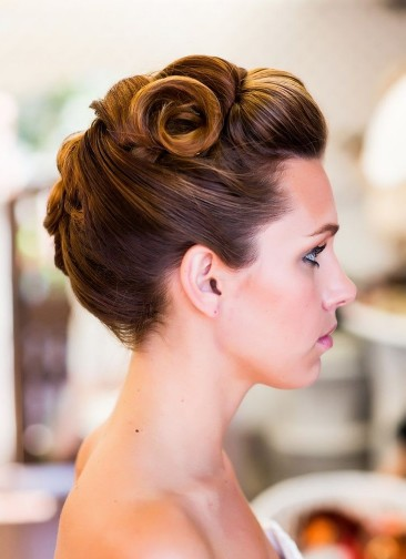 Vintage Updo Hairstyle for Formal Occasions Vintage Updo Hairstyle and