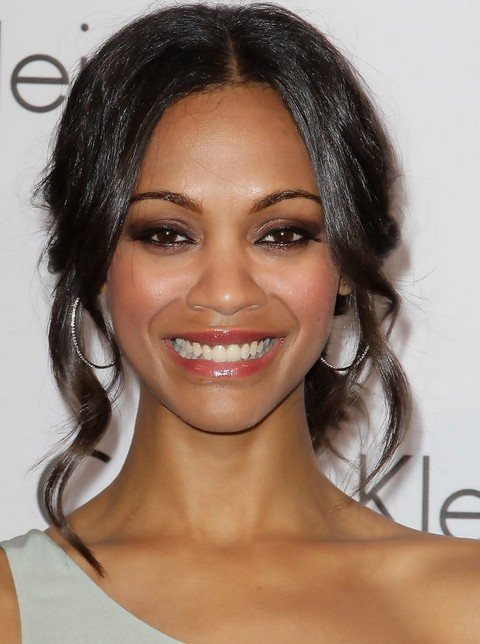 Zoe Saldana Hairstyles: Pretty Messy Updo