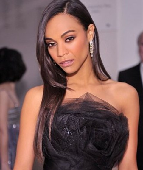 Zoe Saldana Hairstyles: Side-parted Straight Layered Haircut