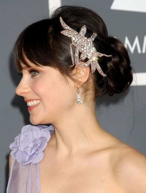 27 Zooey Deschanel Hairstyles - Pictures of Zooey's
