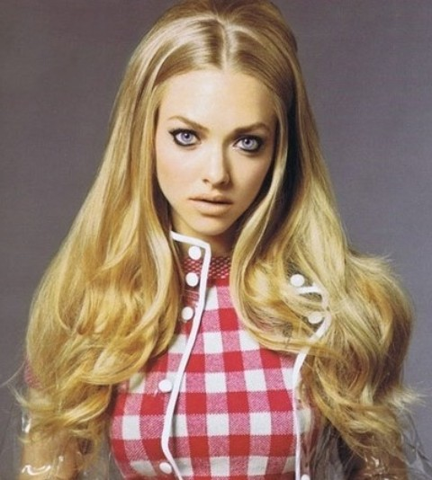 Amanda Seyfried Hairstyles: Adorable Long Curls