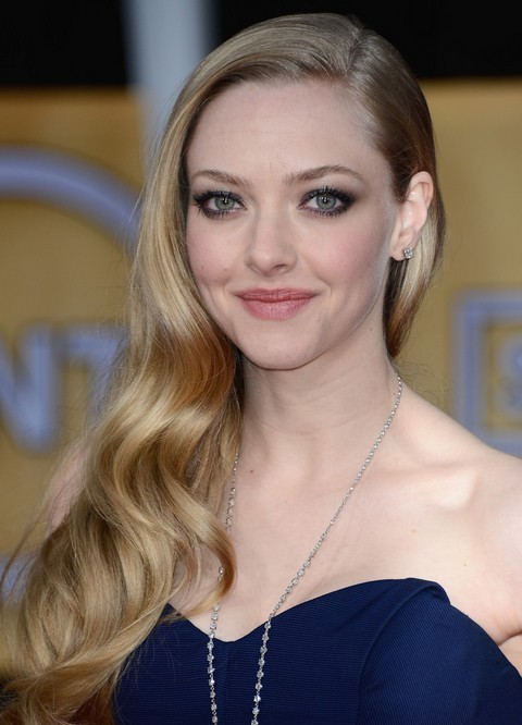Amanda Seyfried Hairstyles: Beautiful Loose Curls