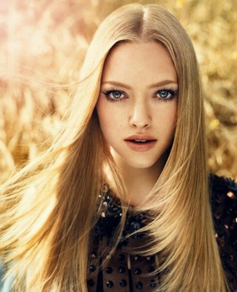 Amanda Seyfried Hairstyles: Layered Straight Hairstyle