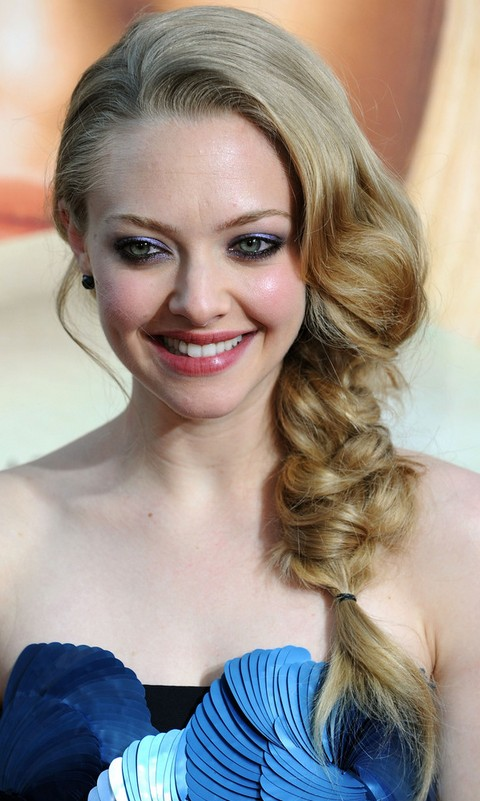 14 Amanda Seyfried Most Impressive Hairstyles - Pretty Designs
