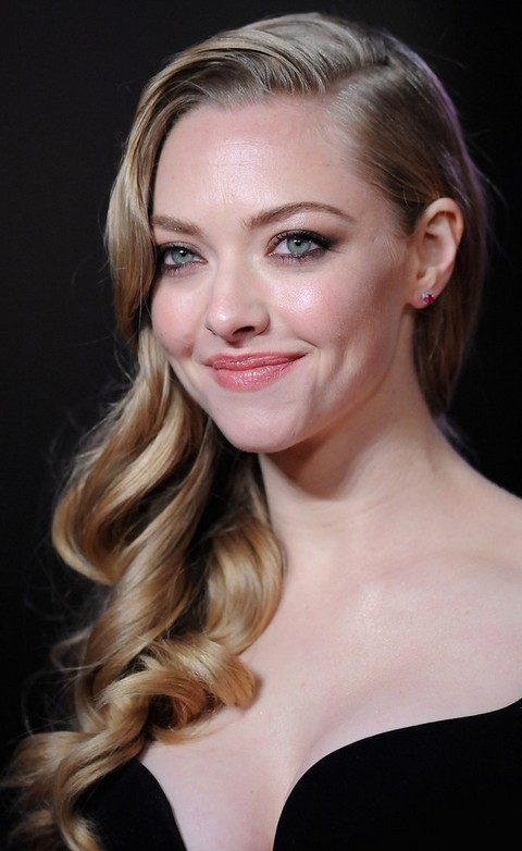 Amanda Seyfried Hairstyles: Soft Long Curls