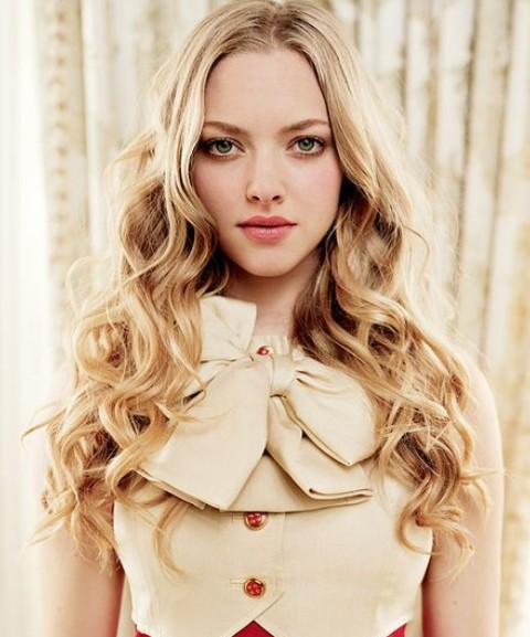 Amanda Seyfried Hairstyles: Voguish Curls