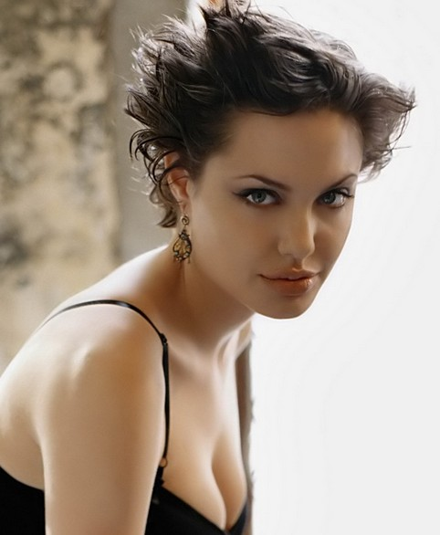 Angelina Jolie Short Hairstyle: Pixie