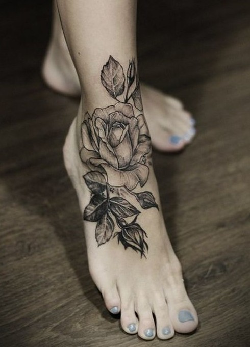 Black Rose tattoo on foot / Source