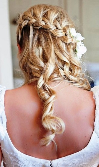 Bride Diagonal Braided Curly Hairstyle for Bridal Hair Ideas