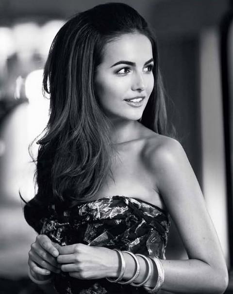 Camilla Bella Hairstyles: Voguish Wavy Haircut