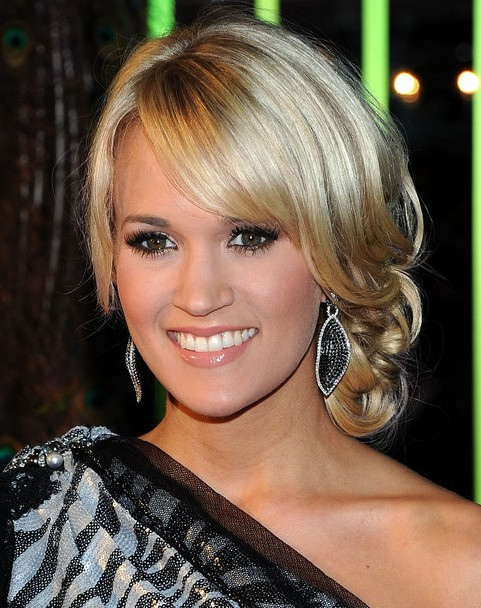 Carrie Underwood Long Hairstyle: Bobby Pinned Updo