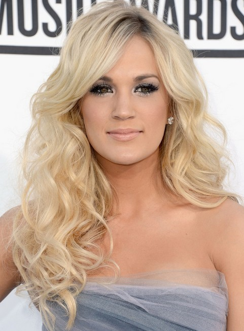 Carrie Underwood Long Hairstyle: Breath-taking Curls