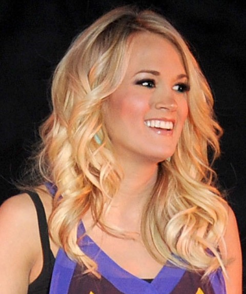 Carrie Underwood Long Hairstyle: Center Part
