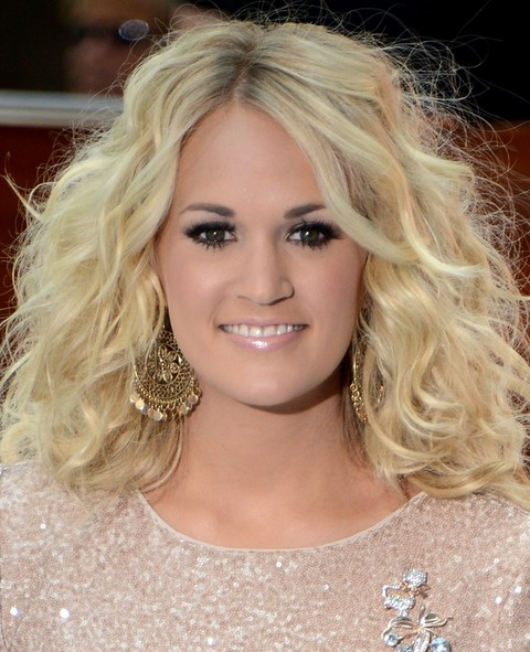 Carrie Underwood Long Hairstyle: Fluffy Curls