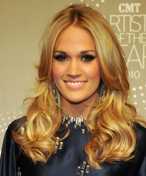 Carrie Underwood Long Hairstyle: Long Side Part