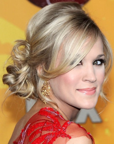 Carrie Underwood Long Hairstyle: Messy Bun