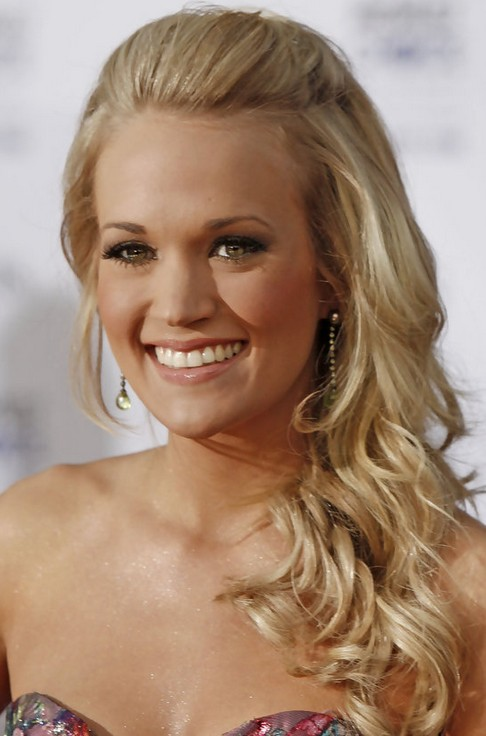 Carrie Underwood Long Hairstyle: Swept-back Curls