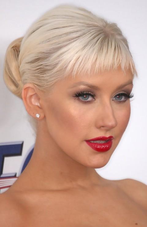 Christina Aguilera: Cheery Classic Bun