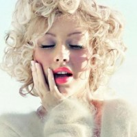 Christina Aguilera Hairstyles: Modern Short Curls