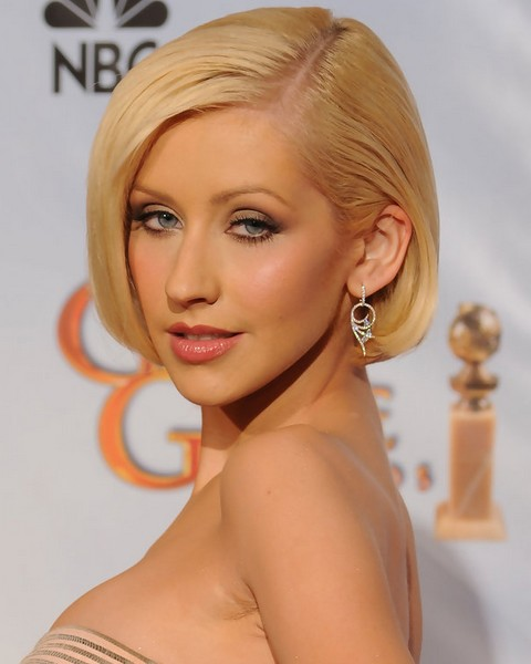 Christina Aguilera Hairstyles: Side-parted Bob