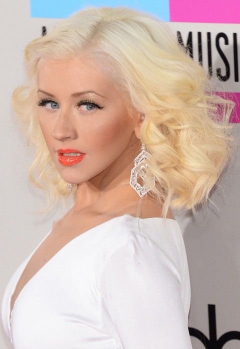 Christina Aguilera Hairstyles: 2014 Side-parted Medium Curls