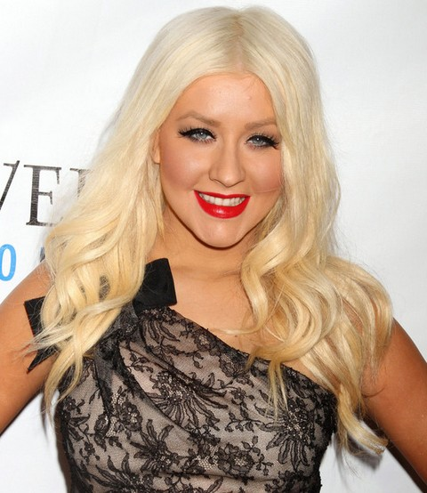 Christina Aguilera Hairstyles: Sweet Long Curls