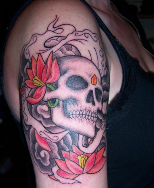 Cool skull tattoo design for female