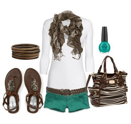 Daily Outfit Look, white knit top, teal shorts and sandles
