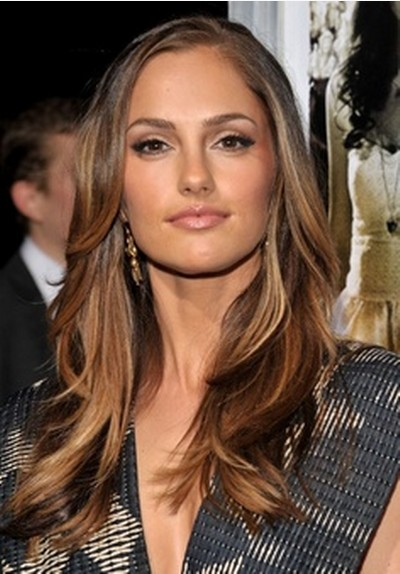 Deep Parted Long Layered Wavy Hairstyle For Ombre Hair