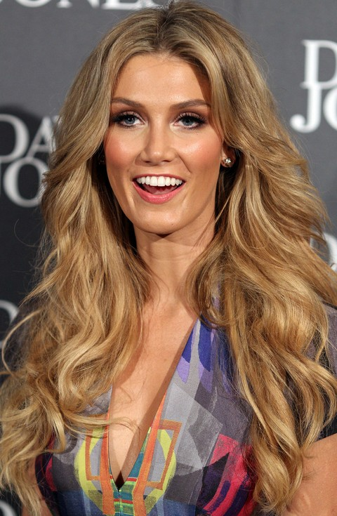 Delta Goodrem Hairstyles: 2014 Voluminous Long Curls