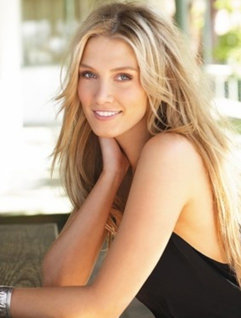 Delta Goodrem Long Hairstyles: Layered Straight Haircut
