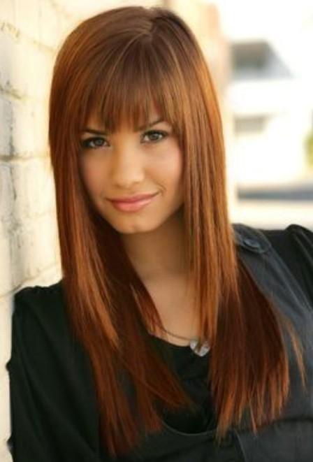 Demi Lovato Hairstyles: Cute Straight Haircut with Bangs