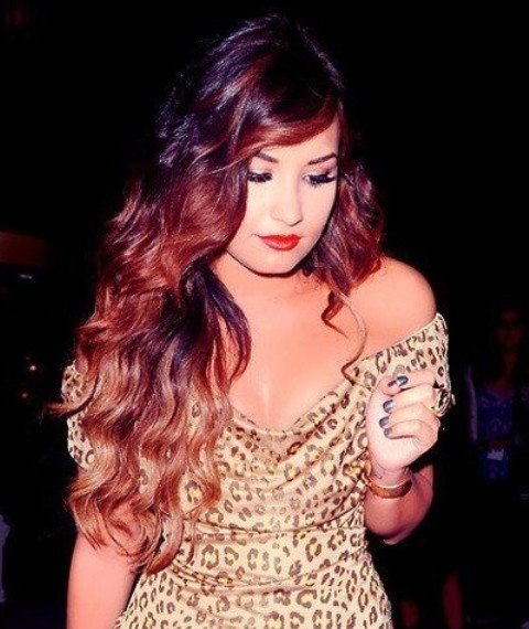 Demi Lovato Hairstyles: Ombre Waves