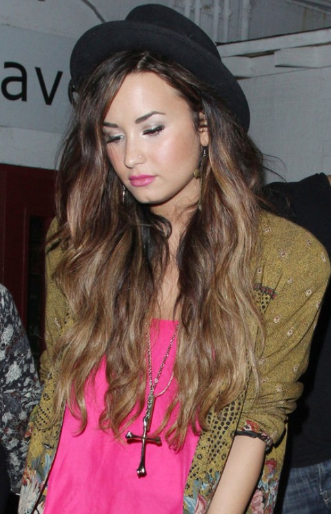 Demi Lovato Hairstyles: Ombre Wavy Haircut
