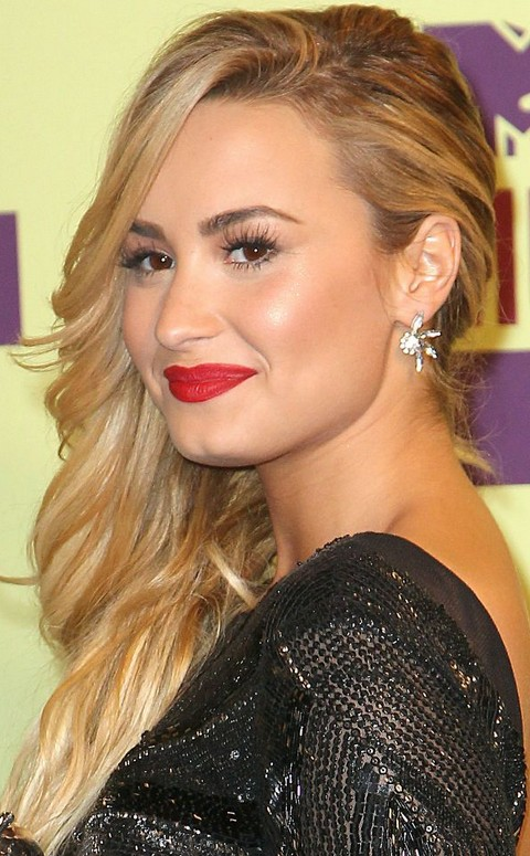 Awe Inspiring 32 Demi Lovato Hair Looks Pretty Designs Hairstyles For Women Draintrainus