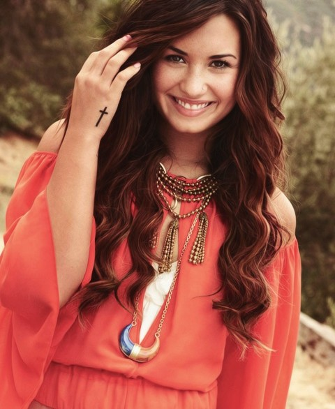 Brilliant Demi Lovato Hairstyles Textured Long Curls Pretty Designs Short Hairstyles For Black Women Fulllsitofus