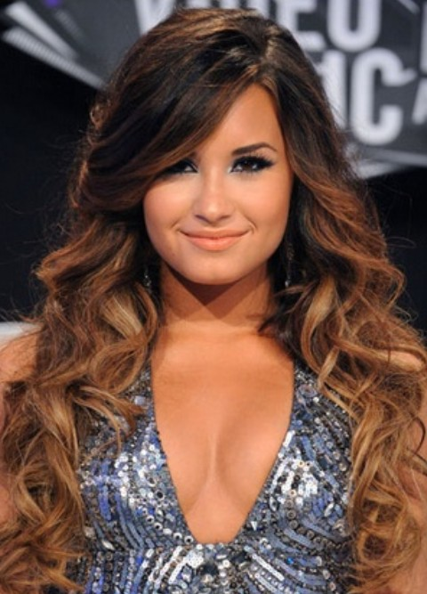 Demi Lovato Hairstyles: Voluminous Curls
