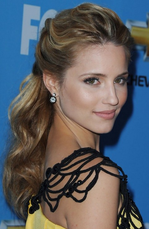Dianna Agron Hairstyles: Wavy Half-up Half-down