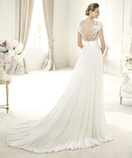 Elie Saab – Wedding Gowns 2014 long flowing lace tulle wedding dress with embellished shoulders