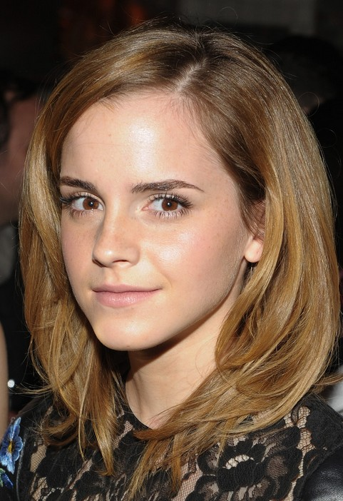 Emma Watson Medium Hairstyle: Soft Locks