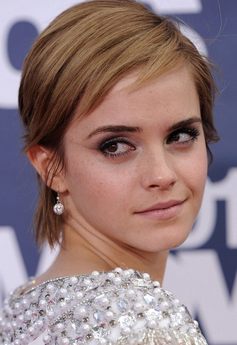 Emma Watson Short Hairstyle: Adorable Pixie