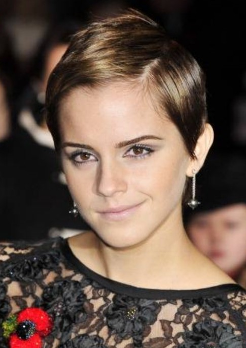 Emma Watson Short Hairstyle: Sleek Hair