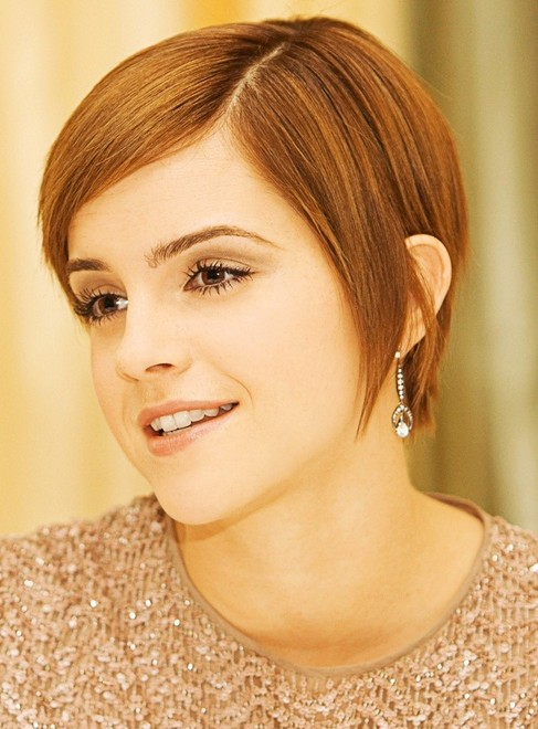 Emma Watson Short Hairstyle: Straight Locks