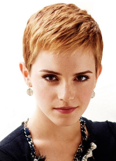Emma Watson Short Hairstyle: Subtle Waves